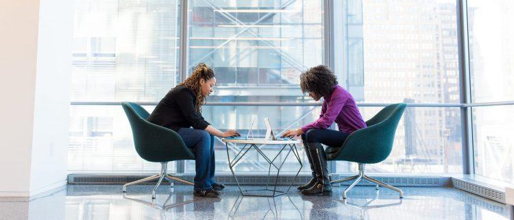 離職率を下げるためのシチュエーション別対策